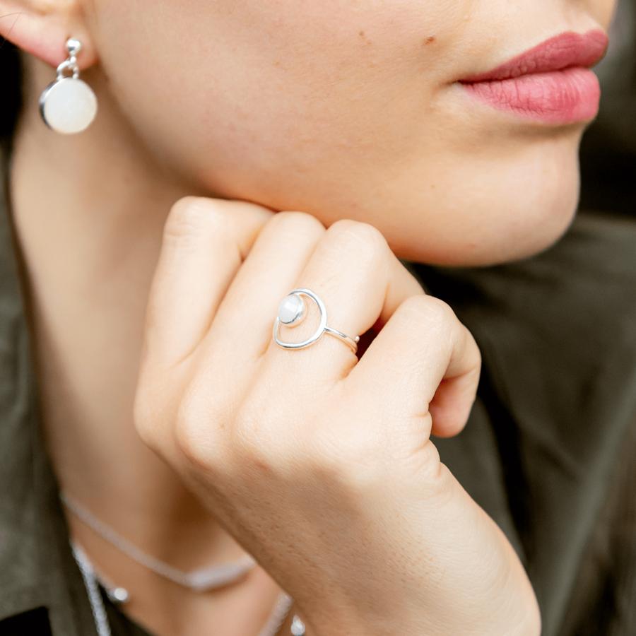 Bague argent pierre blanche anneau atelier aglaiaco