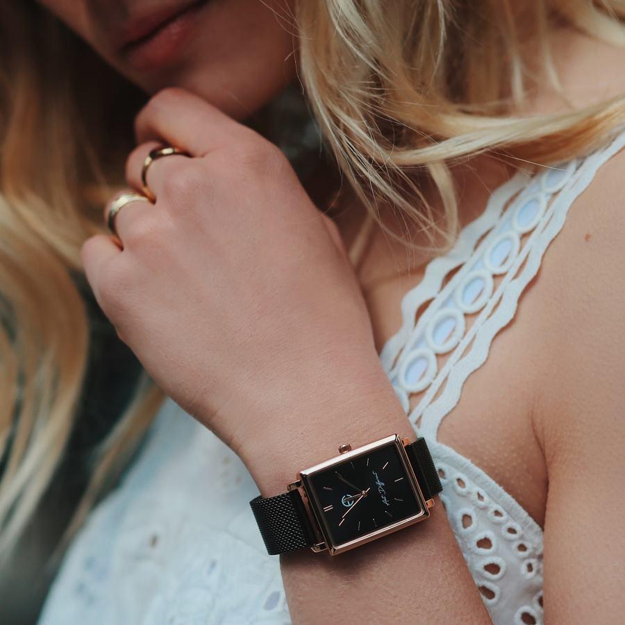 Montre milanais bracelet noir carr%c3%a9 aglaiaco %282%29