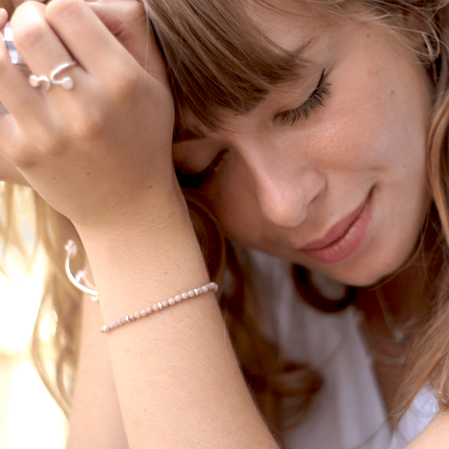 Bracelet rose rhodonite pierre bijoux aglaiaco %282%29