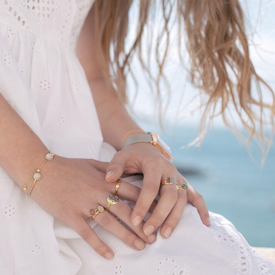 Bague plaque or bijoux montre pierre aglaiaco %283%29