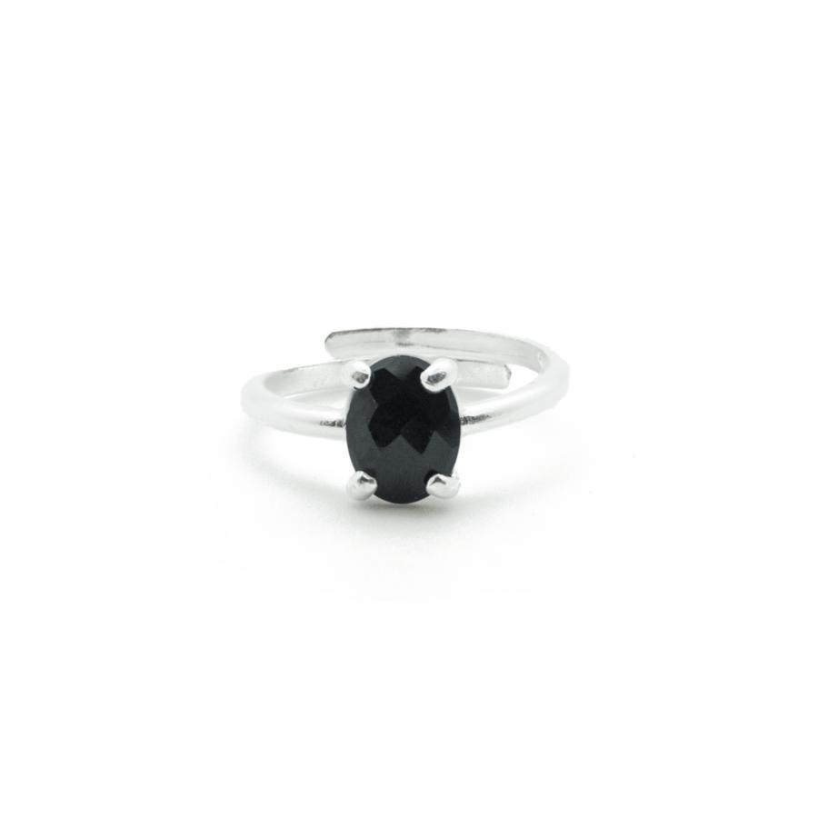 d7a19981a2e Bague en argent massif avec une pierre fine noire d'Onyx- AglaiaCo